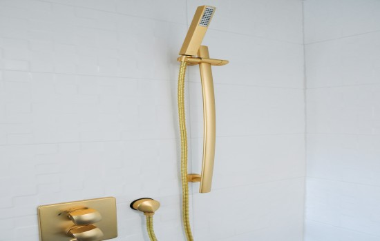 Welcome To Glen Capri Inn & Suites Burbank Universal - Hand Held Shower Head